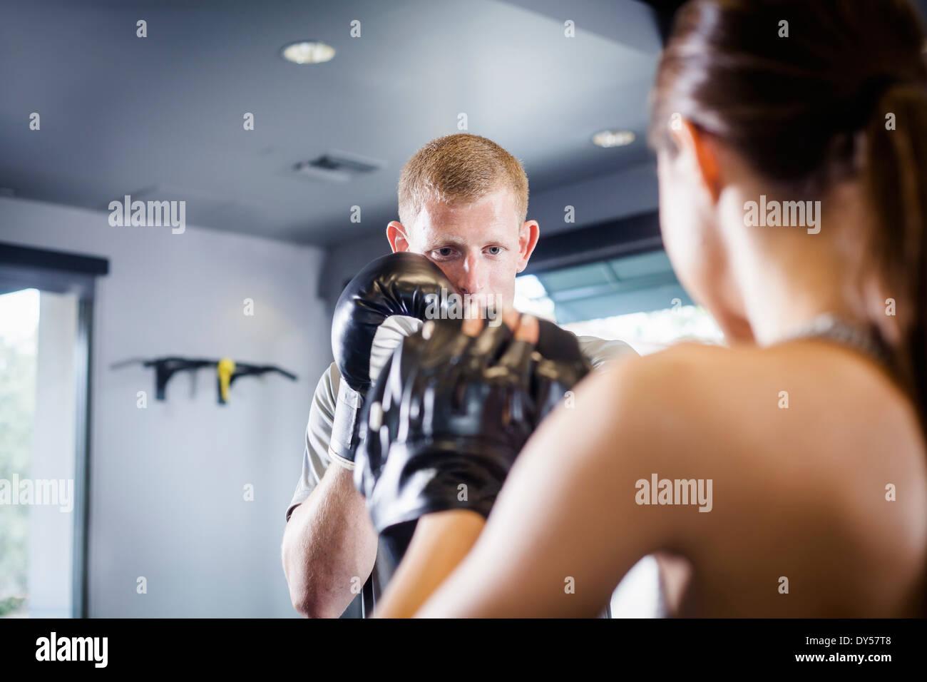 Kickboxers in formazione Immagini Stock