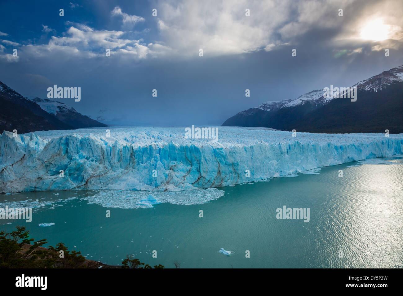Il Ghiacciaio Perito Moreno è un ghiacciaio situato nel parco nazionale Los Glaciares nel sud-ovest di Santa Immagini Stock
