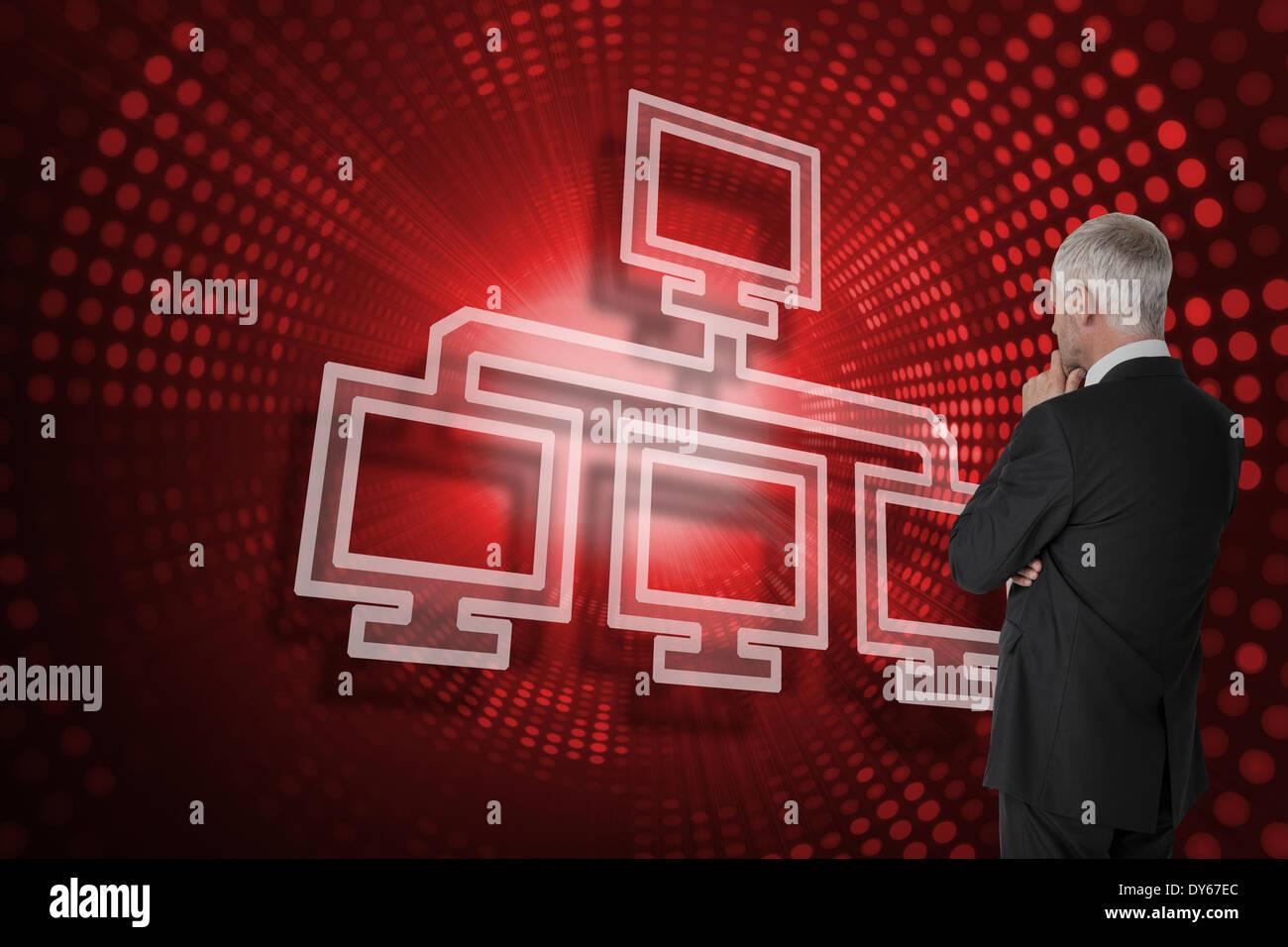 Immagine composita di connessione con il computer e imprenditore cerca Immagini Stock