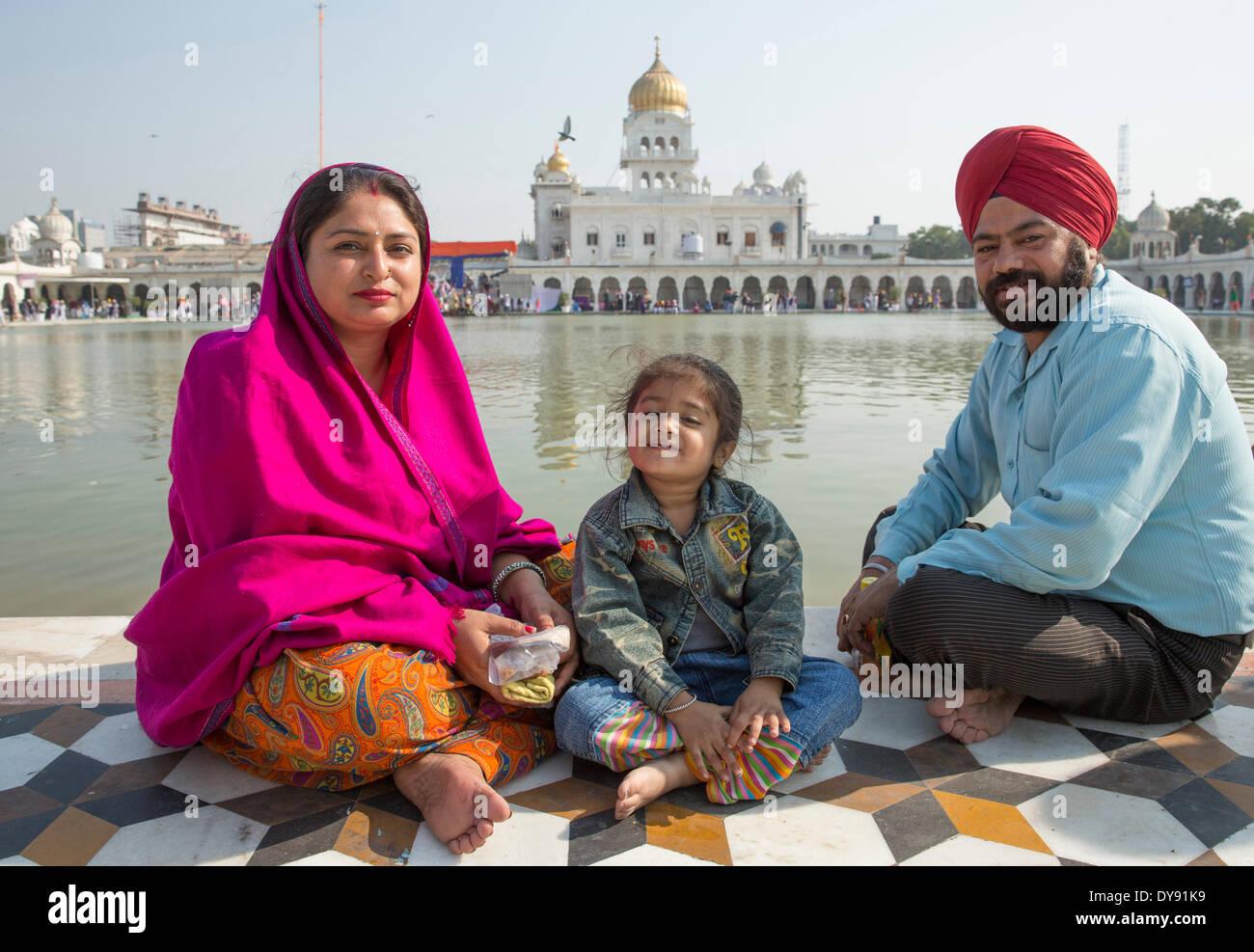 La religione sikh Gurdwara Bangla Sahib Sikh, casa di preghiera, Delhi, New Delhi, Asia, paese, città, chiesa, religione, famiglia, indiano, Immagini Stock