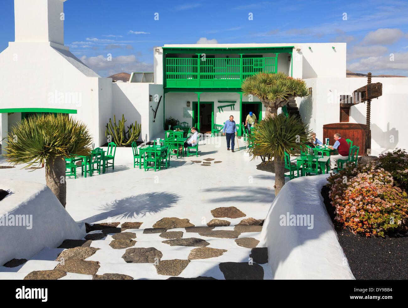 Monumento al Campesino cortile con centro visitatori e museo in stile canario architettura. Lanzarote isole Canarie Spagna Immagini Stock