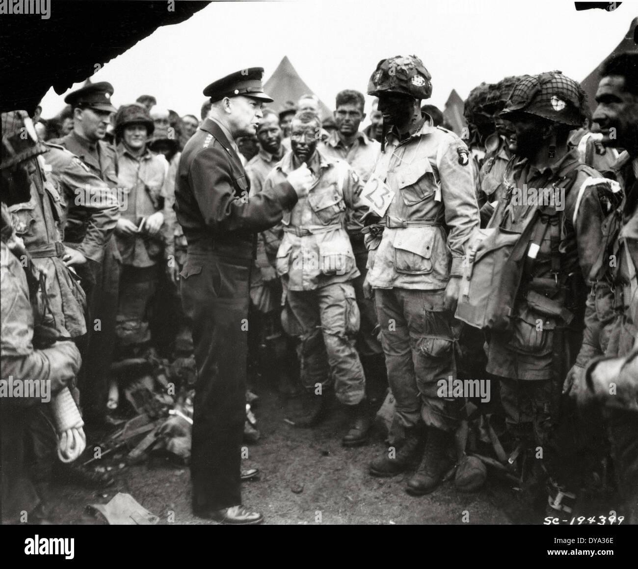 WW II guerra storica Guerra mondiale seconda guerra mondiale Operation Overlord Overlord invasione uomini Greenham Common airfield 1944 faccia bl Immagini Stock