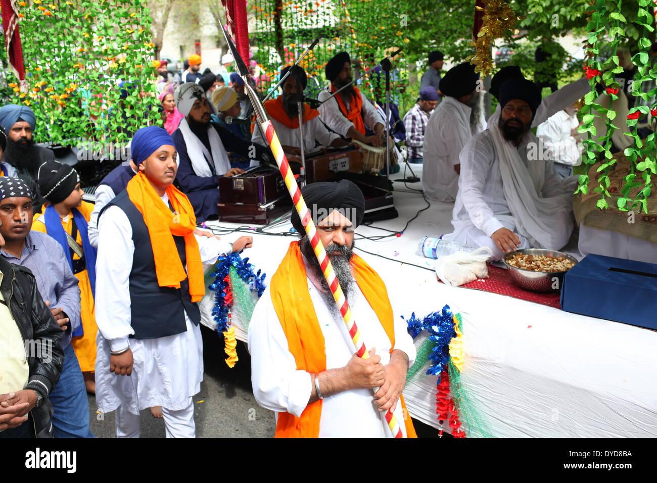 SAN GIOVANNI VALDARNO, Toscana, Italia - 13 April, 2014. NagarKirtan, Indiano processione religiosa ha celebrato Foto Stock