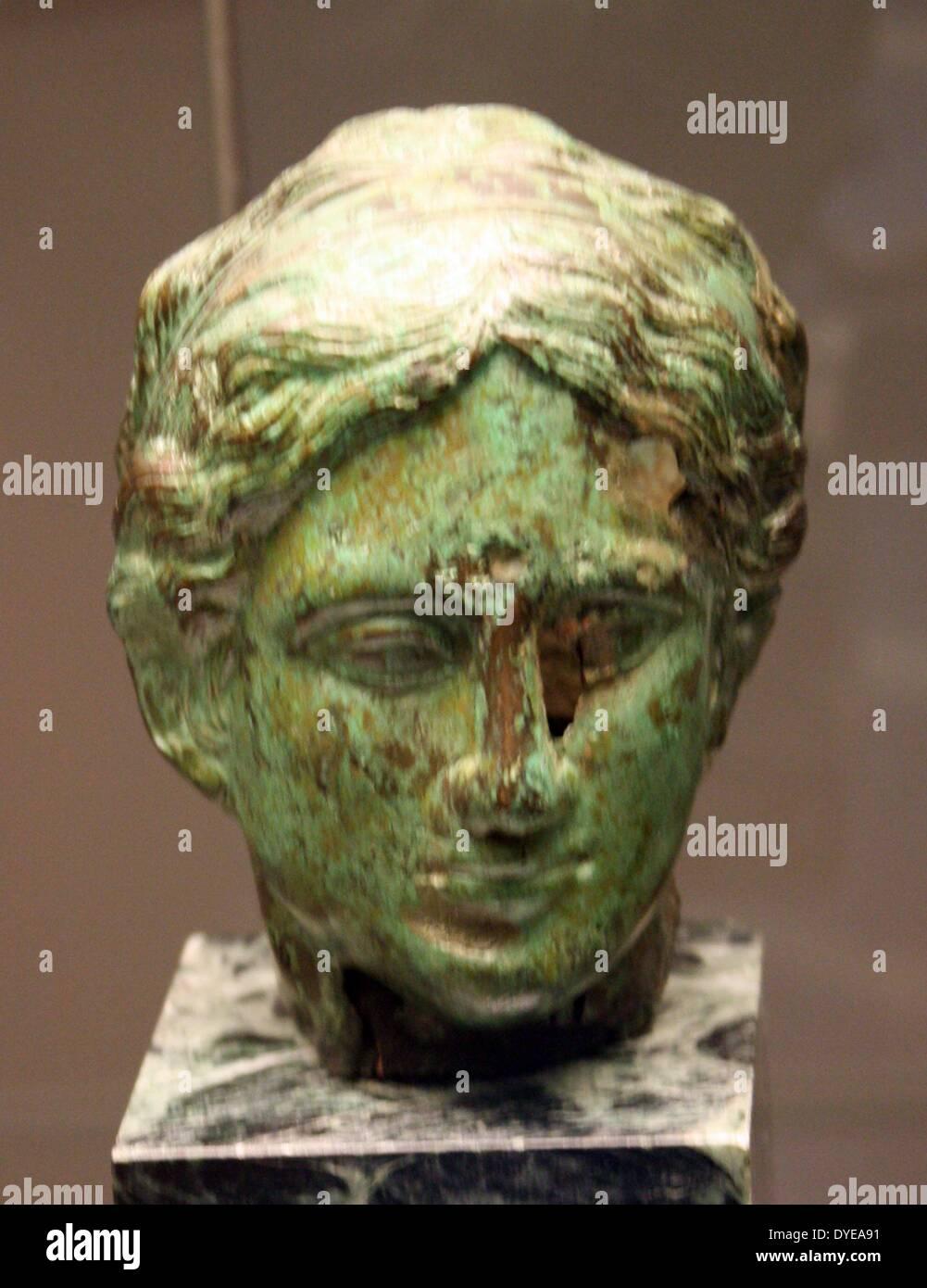 Antico romano busto in bronzo. Barcellona Foto Stock