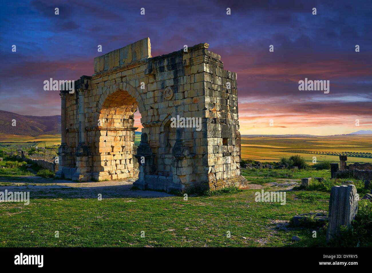 L'arco di Caracalla, costruito nel 217 dalla città del governatore Marco Aurelio Volubilis sito archeologico, Marocco Immagini Stock