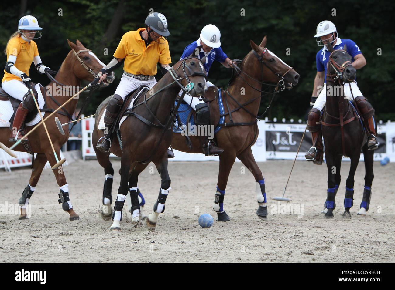 Torneo di Polo presso la scuola di equitazione a Monaco di Baviera, 2011 Immagini Stock