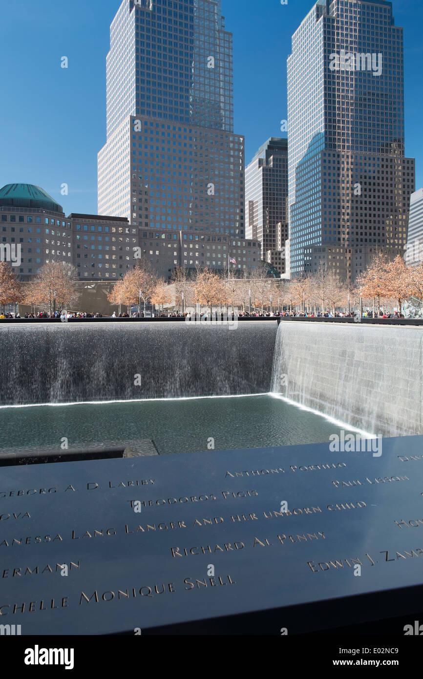 9/11 ground zero memorial sito per il commercio mondiale torri, New York, Stati Uniti d'America Immagini Stock