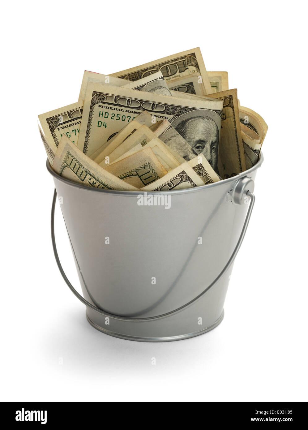 Benna riempita con un sacco di soldi isolati su sfondo bianco. Immagini Stock
