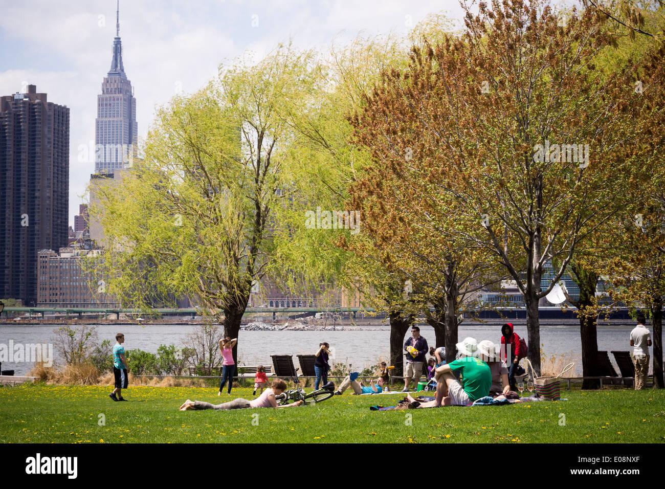 Gantry Plaza del Parco Statale di Long Island City nel Queens a New York Immagini Stock