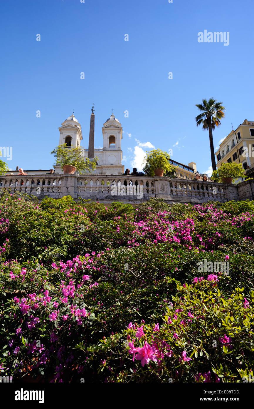 Italia, Roma, Scalinata di piazza di Spagna con i fiori in primavera Immagini Stock