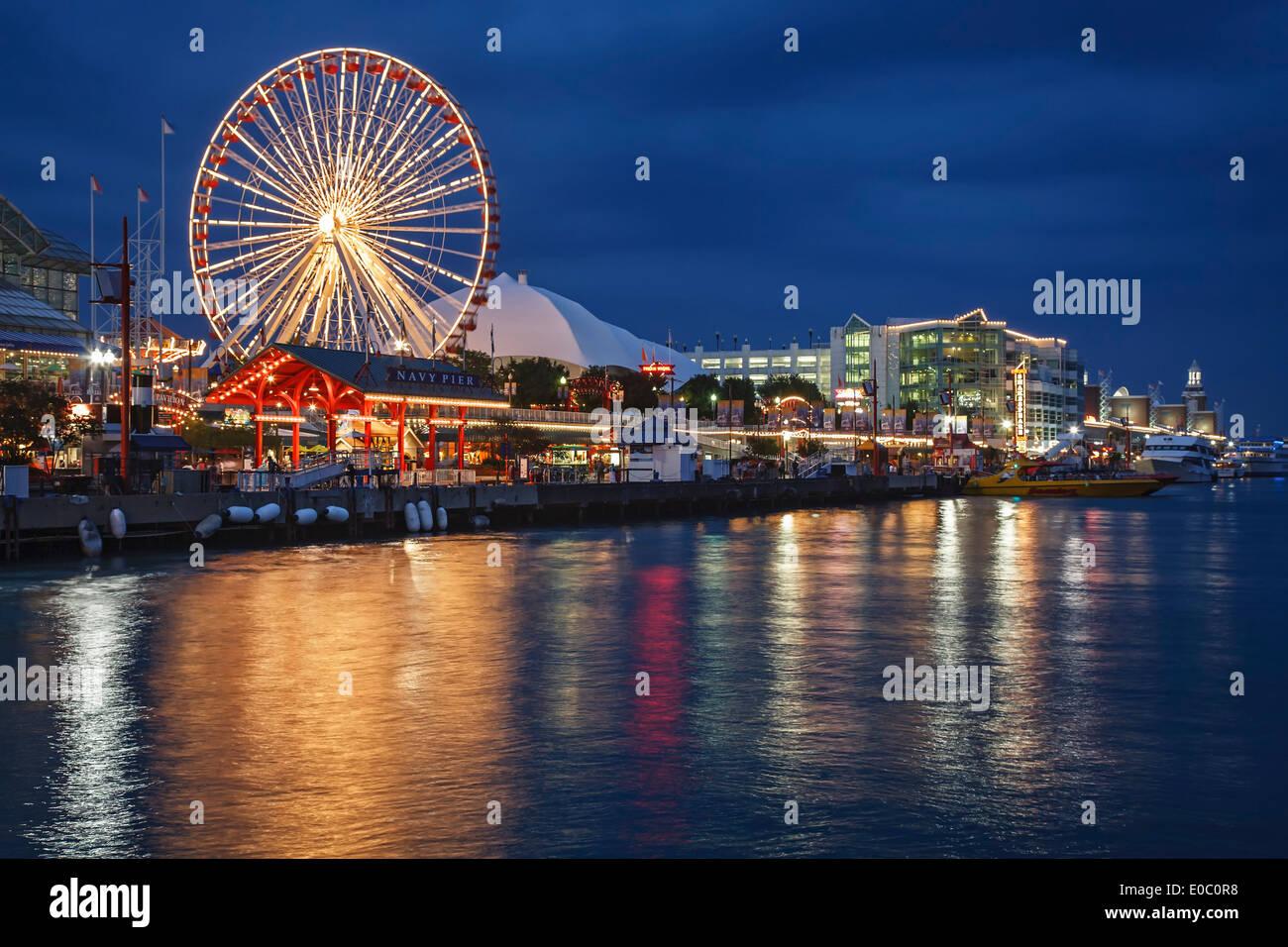 Ruota panoramica Ferris e il Navy Pier, Chicago, Illinois USA Immagini Stock