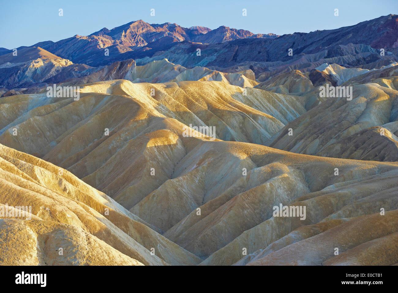 Zabriskie Point a Death Valley in serata, il Parco Nazionale della Valle della Morte, California, USA, America Immagini Stock