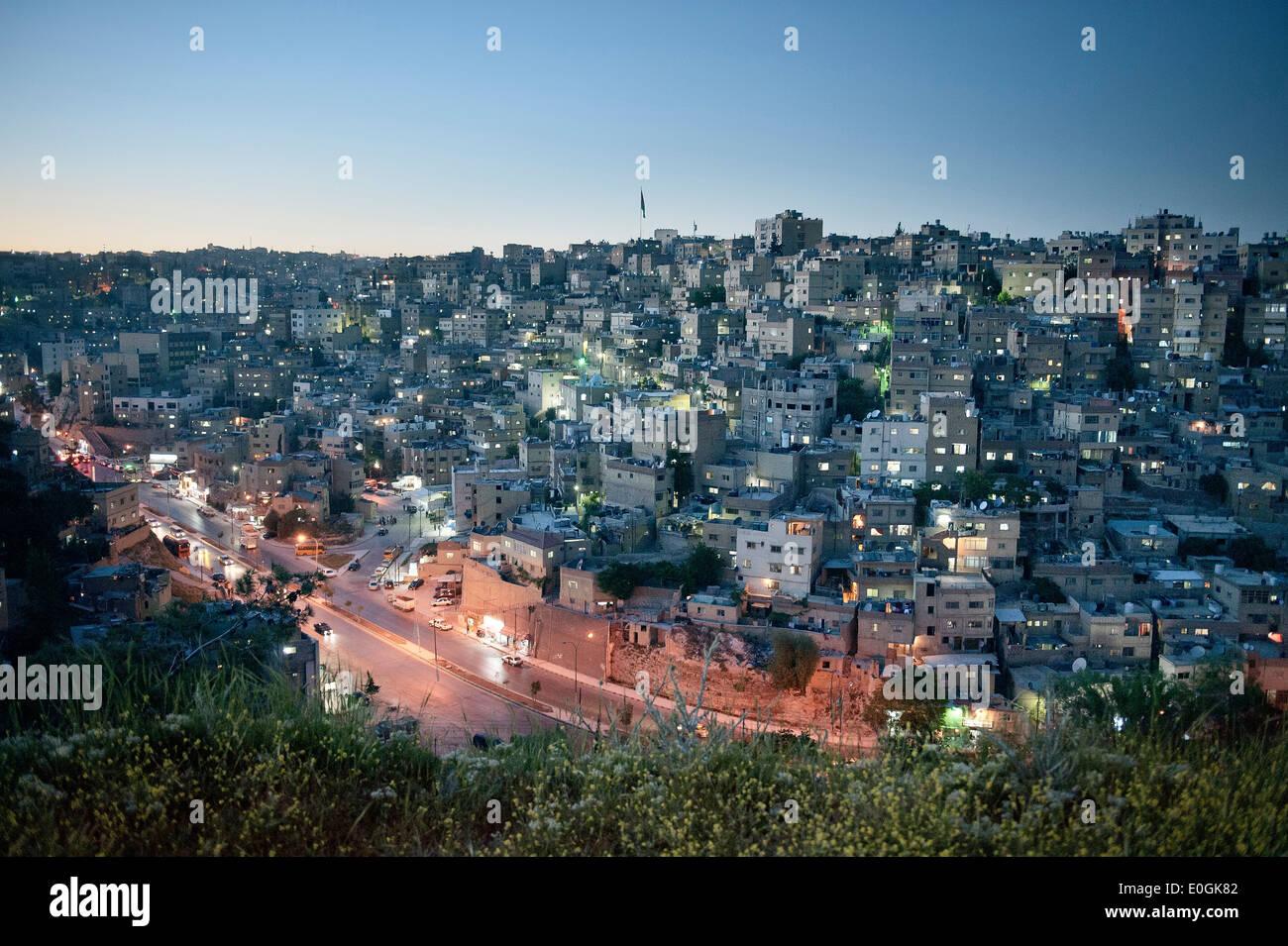 Vista della capitale Amman di notte, Giordania, Medio Oriente e Asia Immagini Stock