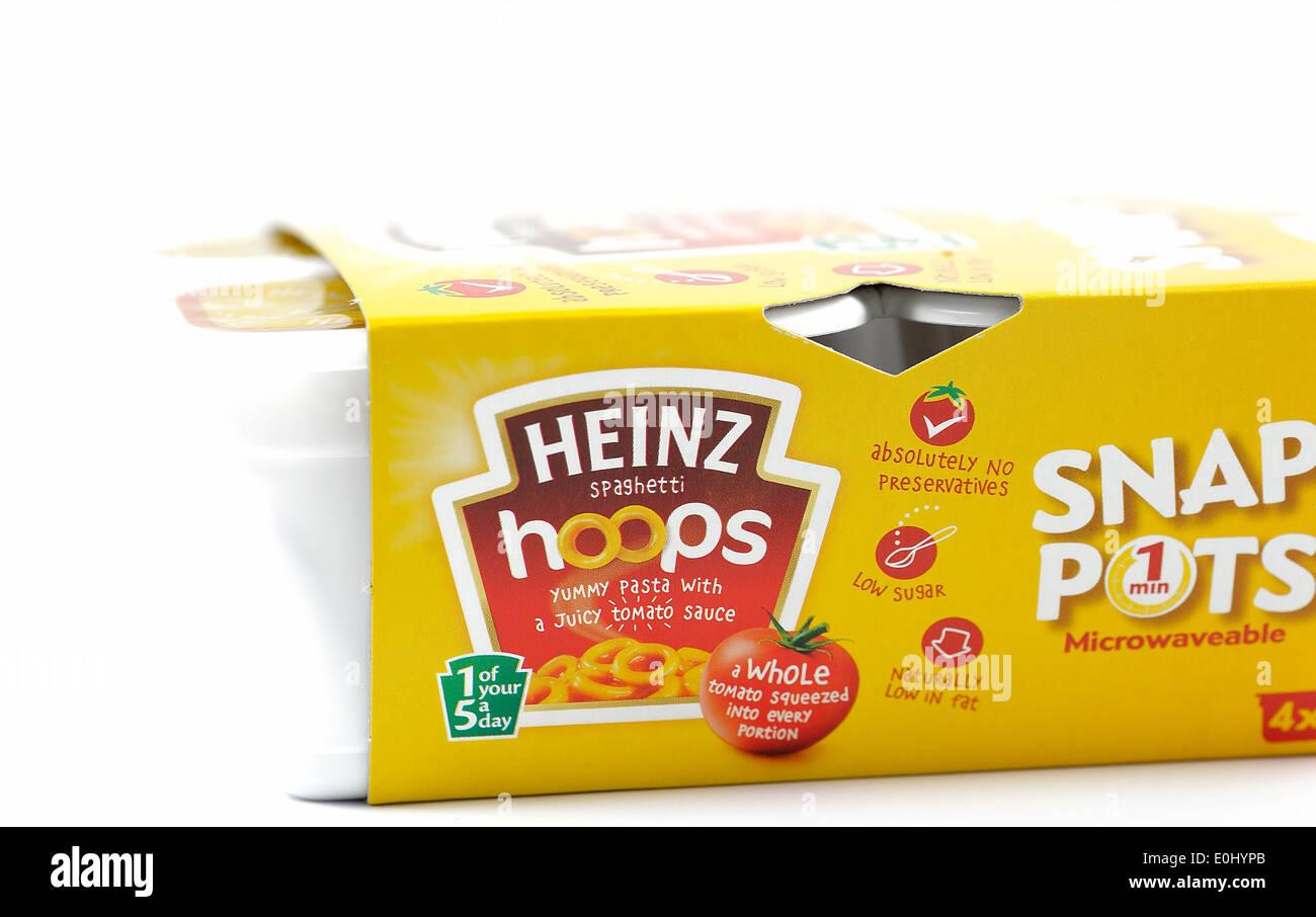 Heinz snap pentole spaghetti hoops in salsa di pomodoro Immagini Stock