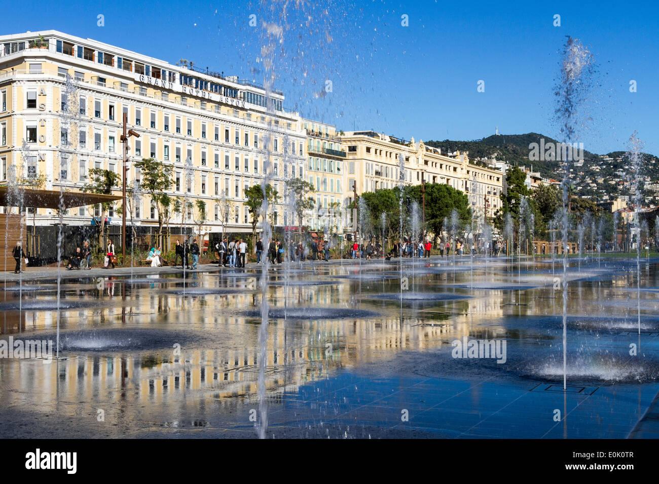 Miroir d'Eau, Espace, Massena Nizza Cote d'Azur, in Francia Immagini Stock