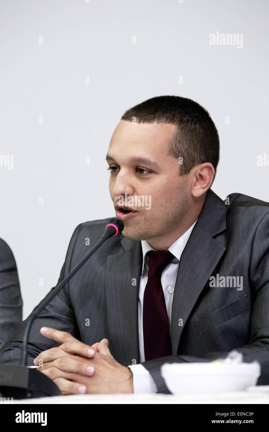 Salonicco, Grecia. 16 maggio 2014. Il vice presidente del Golden Dawn Ilias Kasidiaris parla durante il periodo Foto Stock