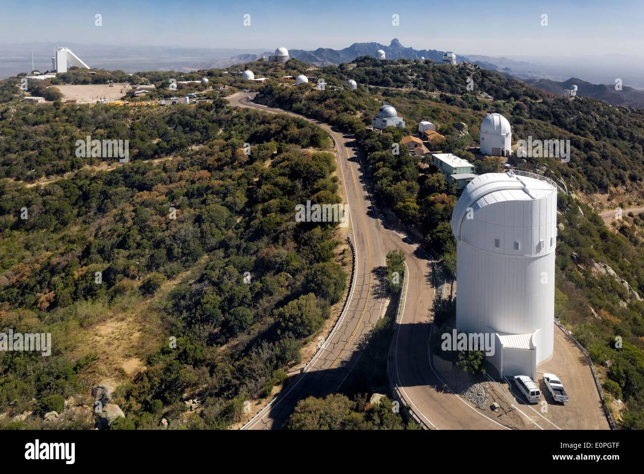 Telescopi su Kitt Peak National Observatory, Arizona Immagini Stock