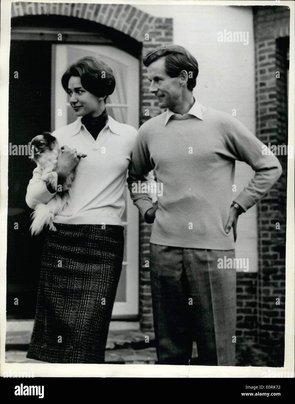Ottobre 10, 1959 - 12-10-59 Gruppo capitano Peter Townsend per sposare la sua segretaria. L'impegno è stato annunciato Foto Stock