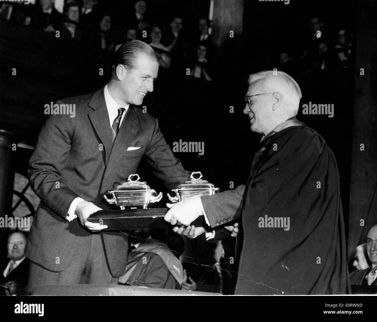 Il biologo Alexander Fleming con il Principe Filippo Foto Stock