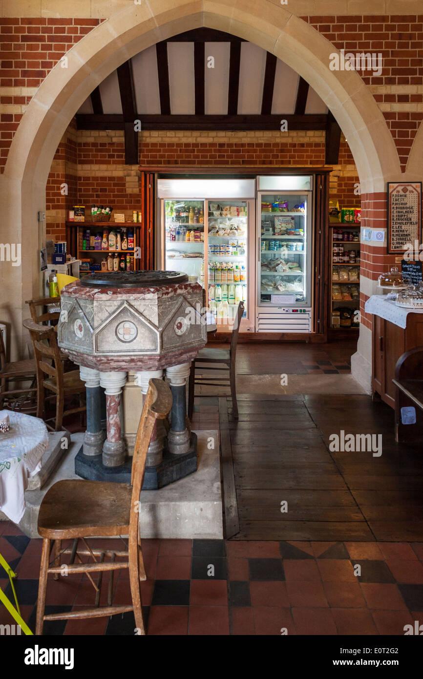 Villaggio comunità shop nella chiesa parrocchiale, Beech Hill, Reading, Berkshire, Inghilterra, GB, UK. Immagini Stock
