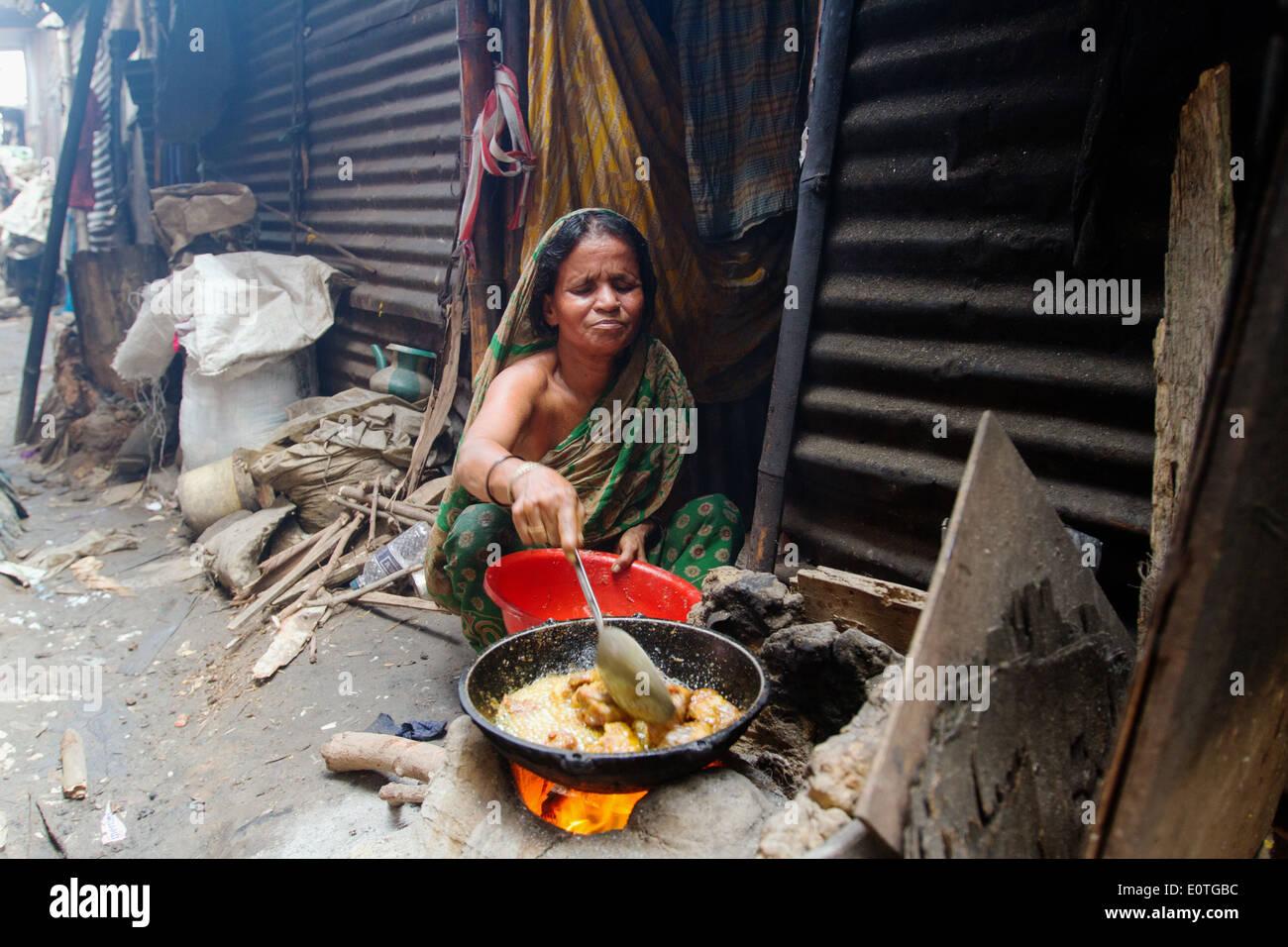 Popolo del Bangladesh in shanty parte di Dhaka che vivono in condizioni di estrema povertà. Immagini Stock