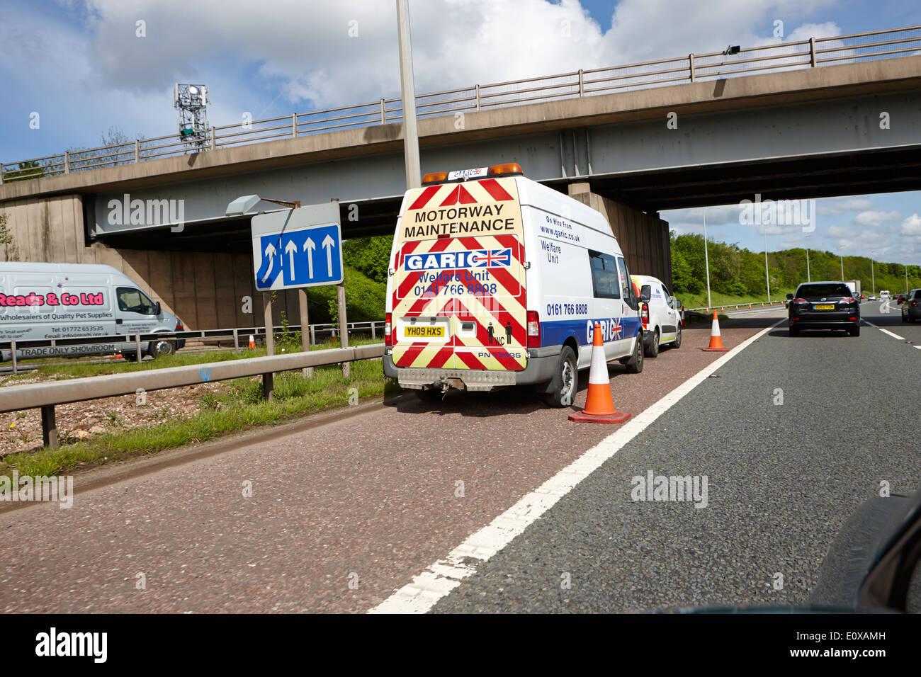 Autostrada garic manutenzione veicolo parcheggiato sul disco spalla dell'autostrada m6 England Regno Unito Foto Stock