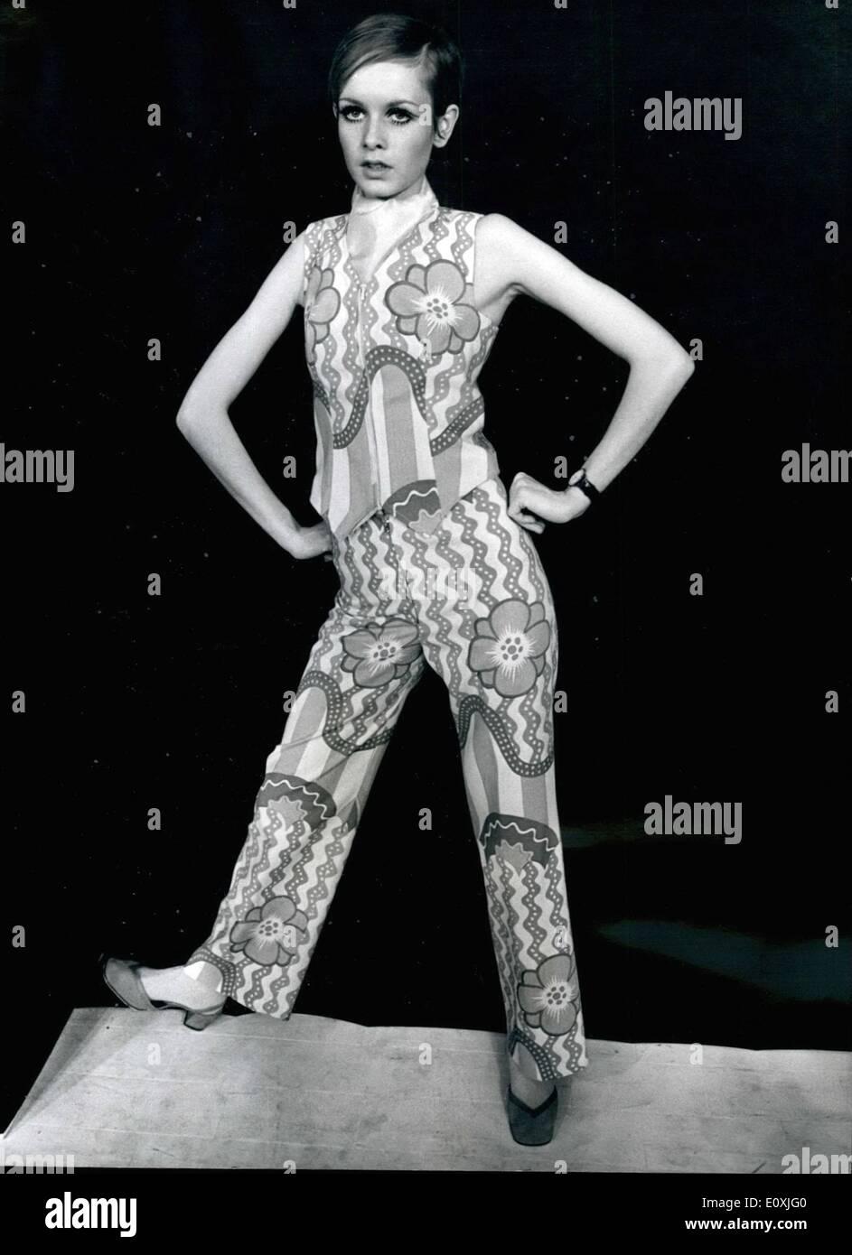 Febbraio 02, 1967 - e ora si tratta di Twiggy - La moda capo ...