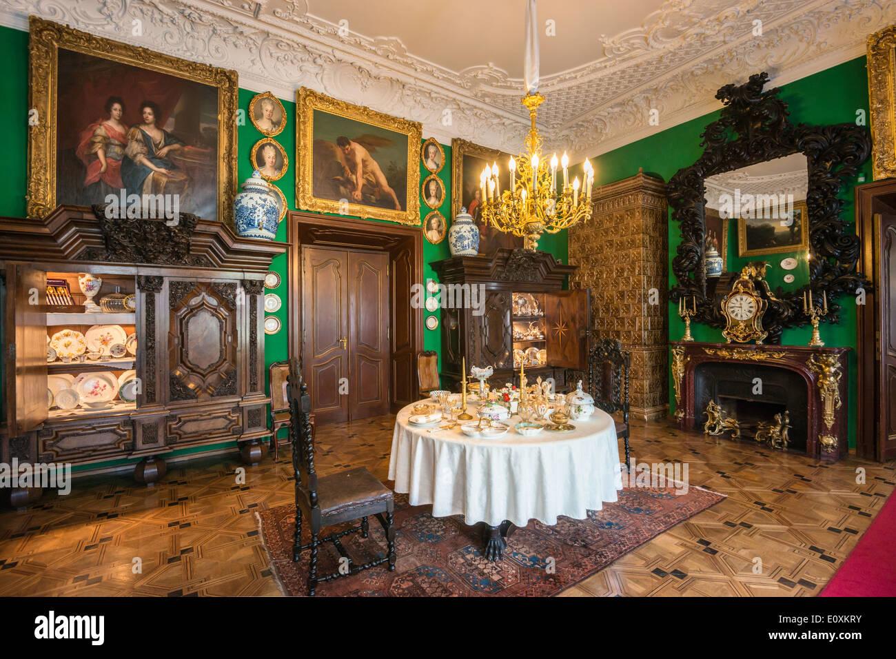 Aristocratic interior immagini aristocratic interior for Piccola sala da pranzo