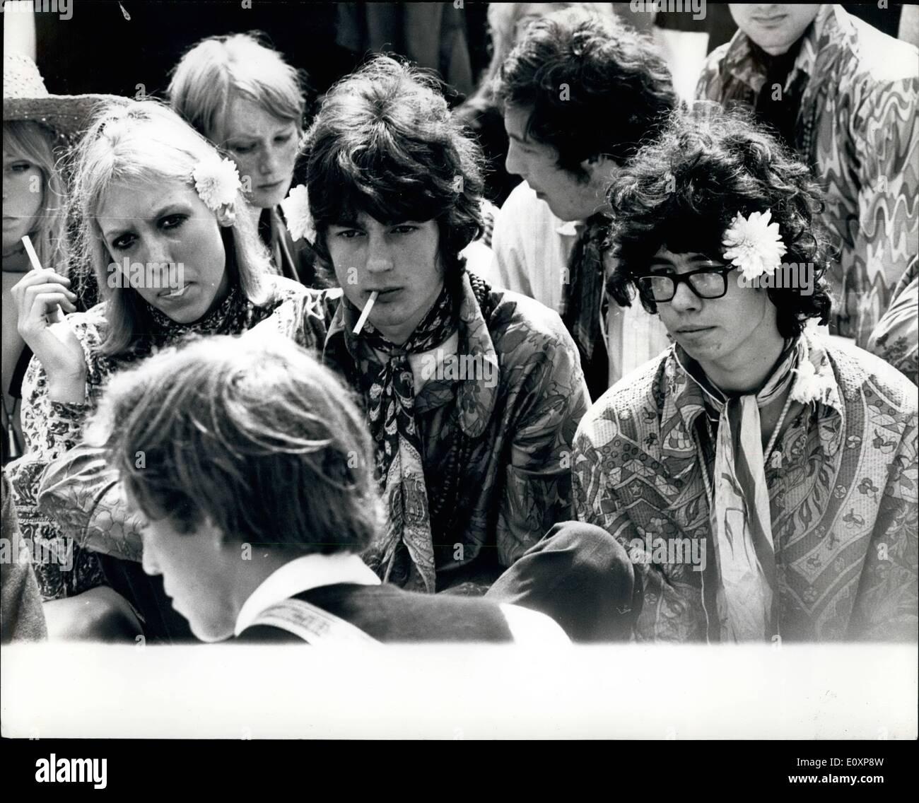 24e9674b1e36 1967 Hippies Immagini   1967 Hippies Fotos Stock - Alamy