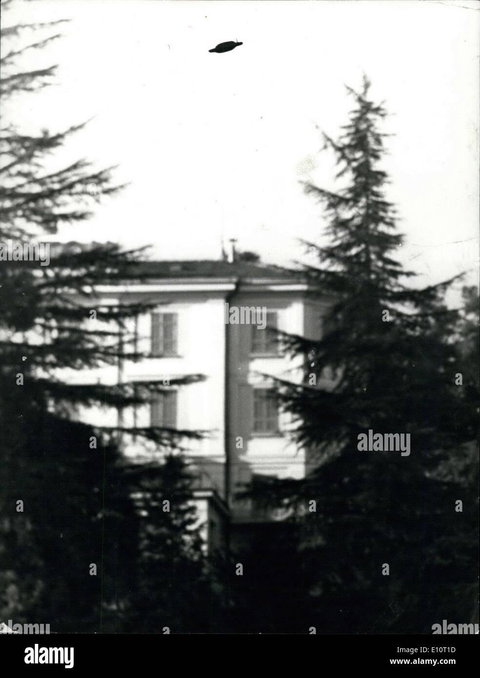Gen 03, 1974 - Mistero nel cielo in Svizzera ? Non identificati oggetti volanti occupa effettivamente l'interesse Foto Stock