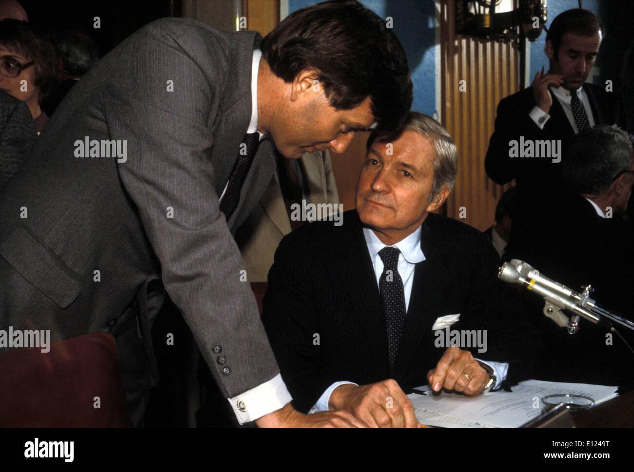 Aug 05, 1985; Washington, DC, Stati Uniti d'America; file (foto) (DATA SCONOSCIUTA) Stati Uniti Segretario di Stato James Baker.. : KE Immagini Stock