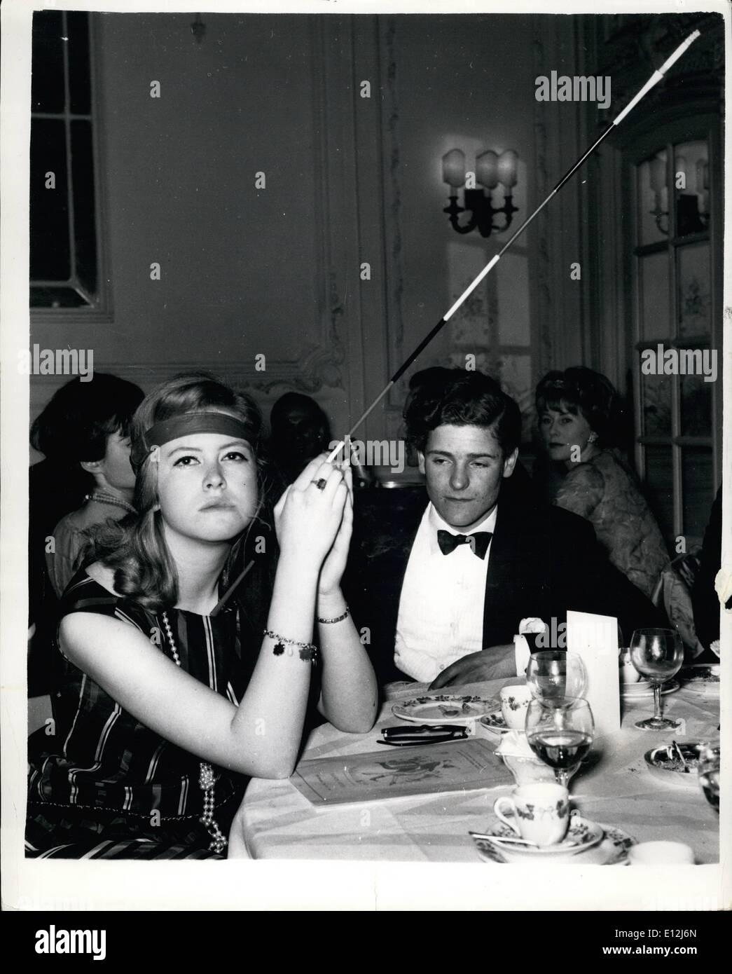 ecfd8575d97a15 Febbraio 24, 2012 - Torna a Anni Ruggenti al Savoy sfera: cinquecento gli  ospiti