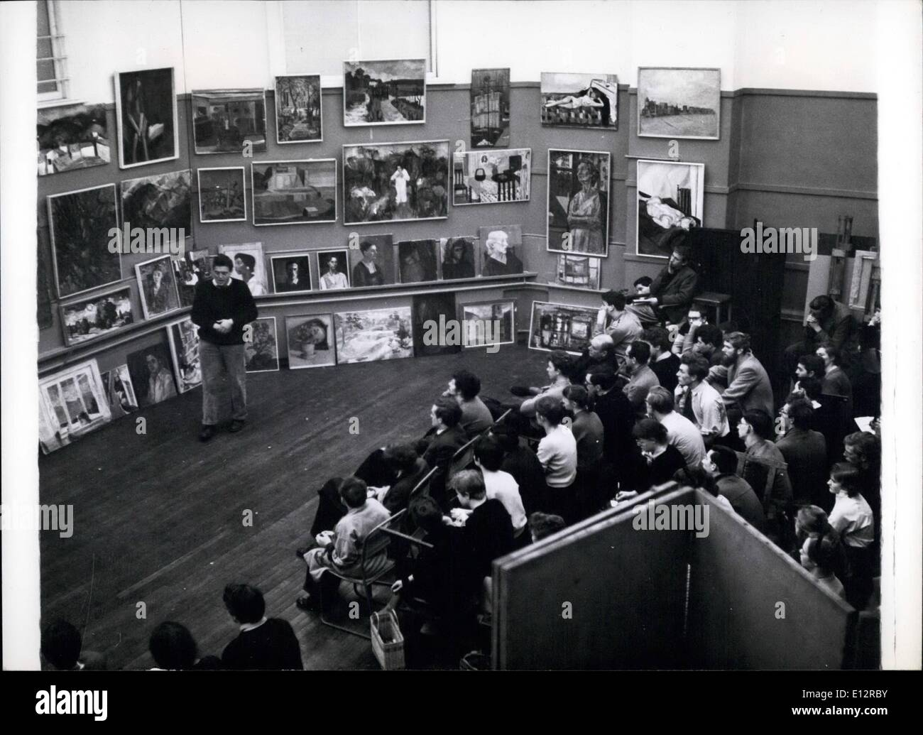 "Febbraio 24, 2012 - La Slade School: Pietro de Francia, un artista, un critising studentââ'¬â""¢s sketch club lavoro. K Immagini Stock"