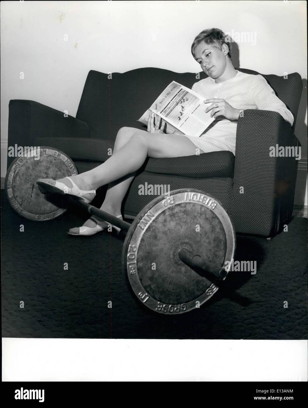 Febbraio 29, 2012 - Perso nel mondo atletica è l'Inghilterra del Olympic preferito per 400 metri, Lillian Board visto qui al suo Ealing home. Immagini Stock