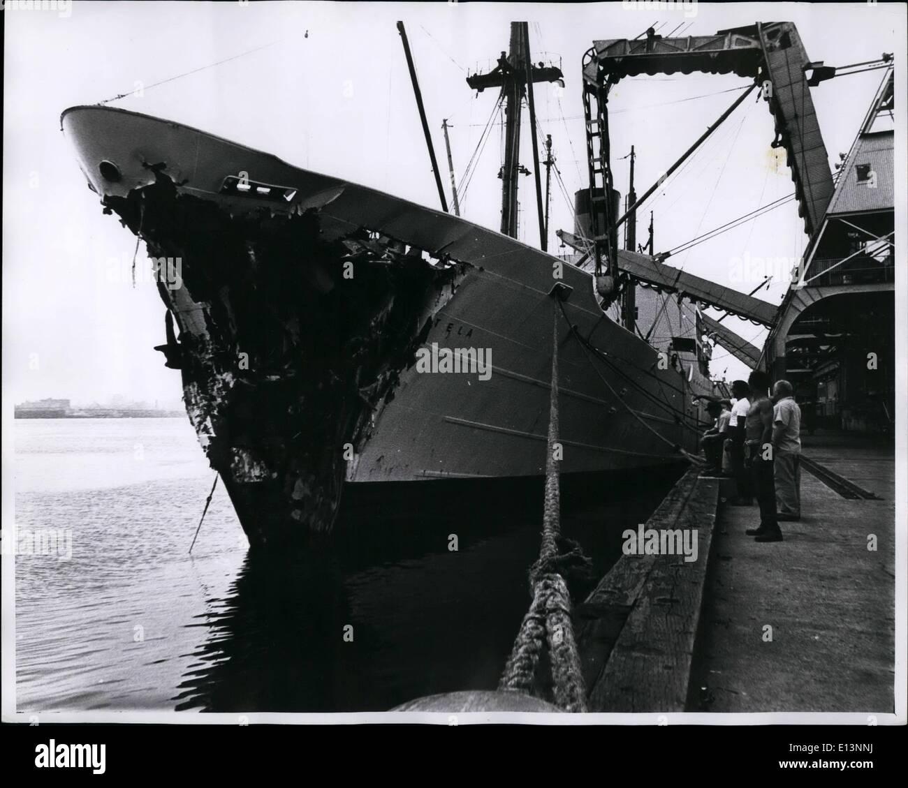 Mar 22, 2012 - British corpo nave Etela fu danneggiato da American freighter Isola Verde 35 miglia outsider Immagini Stock