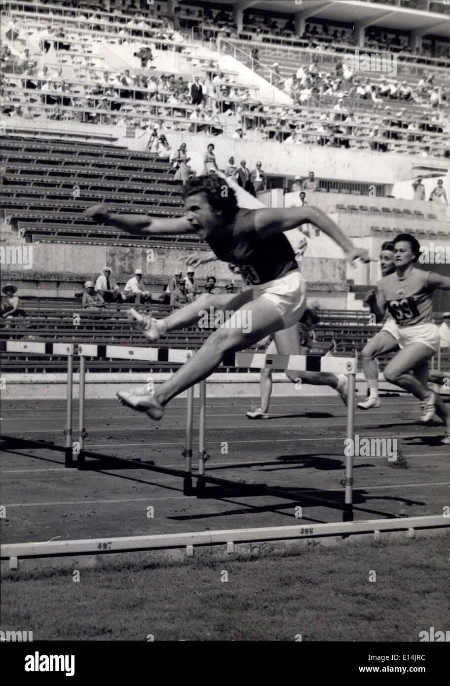 Apr. 05, 2012 - Giochi Olimpici: atletica del primo giorno. OPS: Irina premere la Russia stabilisce un nuovo record olimpico in 80 m ostacoli 10'' Immagini Stock