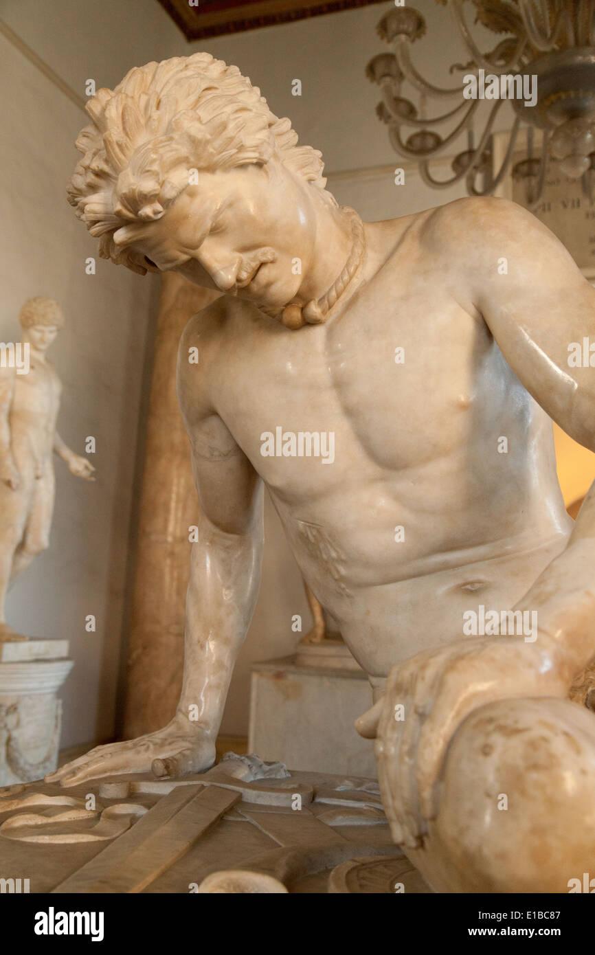 Chiudere fino alla Statua del Galata morente, Musei Capitolini ( Museo Capitolino ), Roma Italia Europa Immagini Stock
