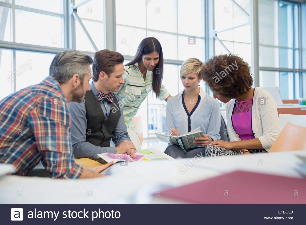 La gente di affari riunione in ufficio Immagini Stock