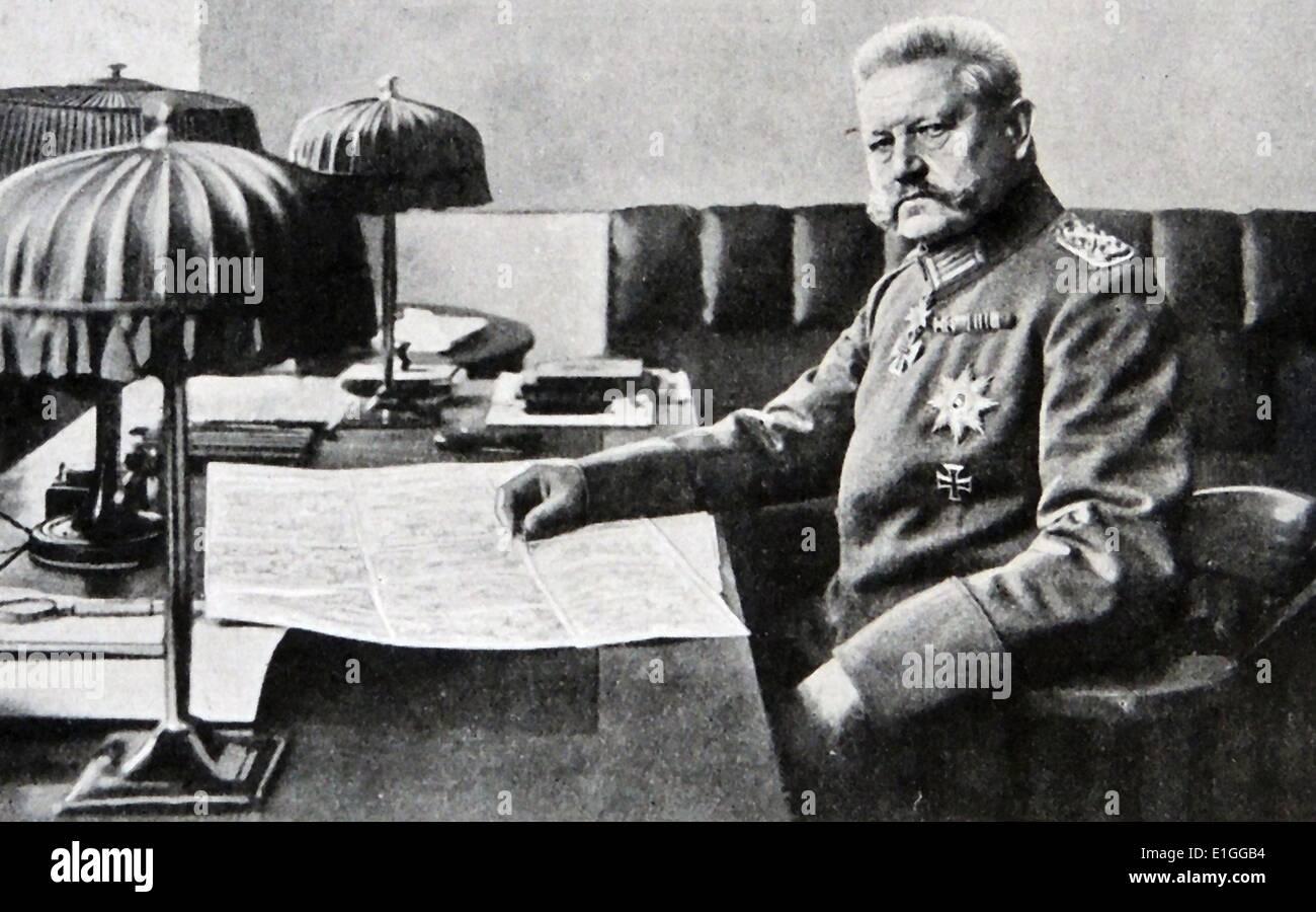 Fotografia di Paul von Hindenburg (1847 - 1934) il secondo Presidente della Germania e Prussian-German maresciallo di campo. Datata 1917 Immagini Stock