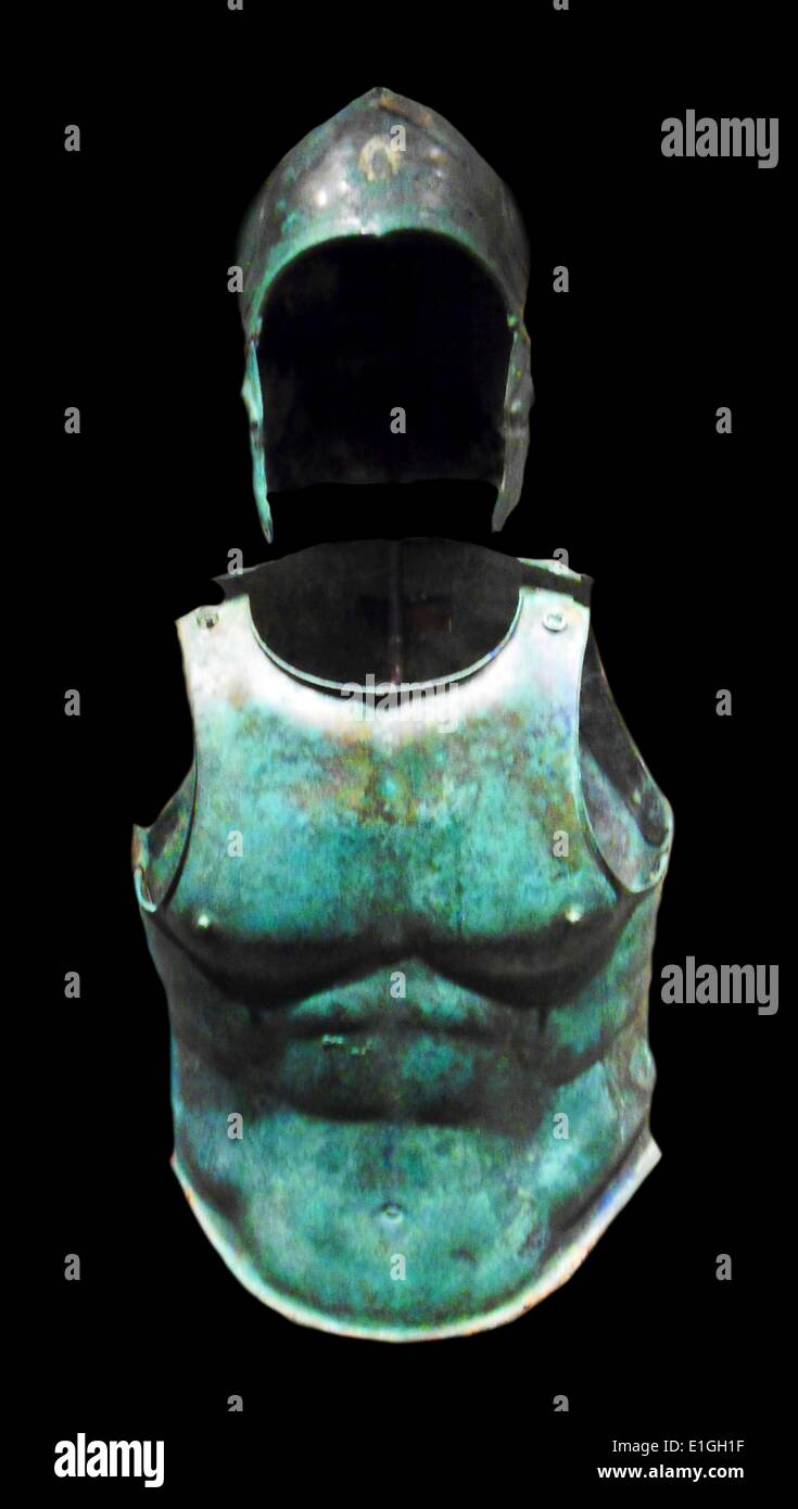 Set di armatura di bronzo, greco, Sud italiano, Pugliese, ca. 330 A.C. Immagini Stock