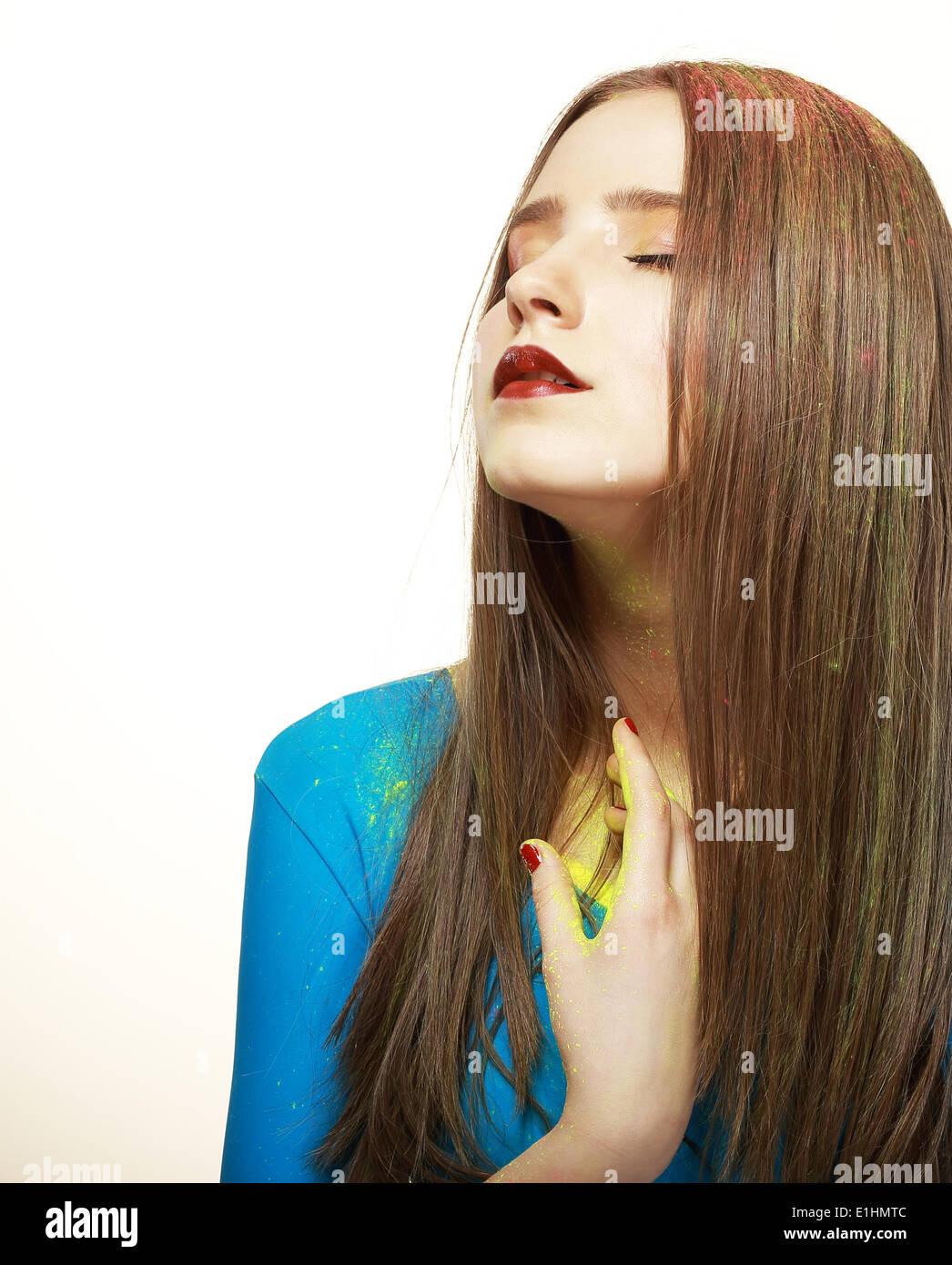 La fantasia. Moda giovane modello con brillante trucco colorato. Il glamour Immagini Stock