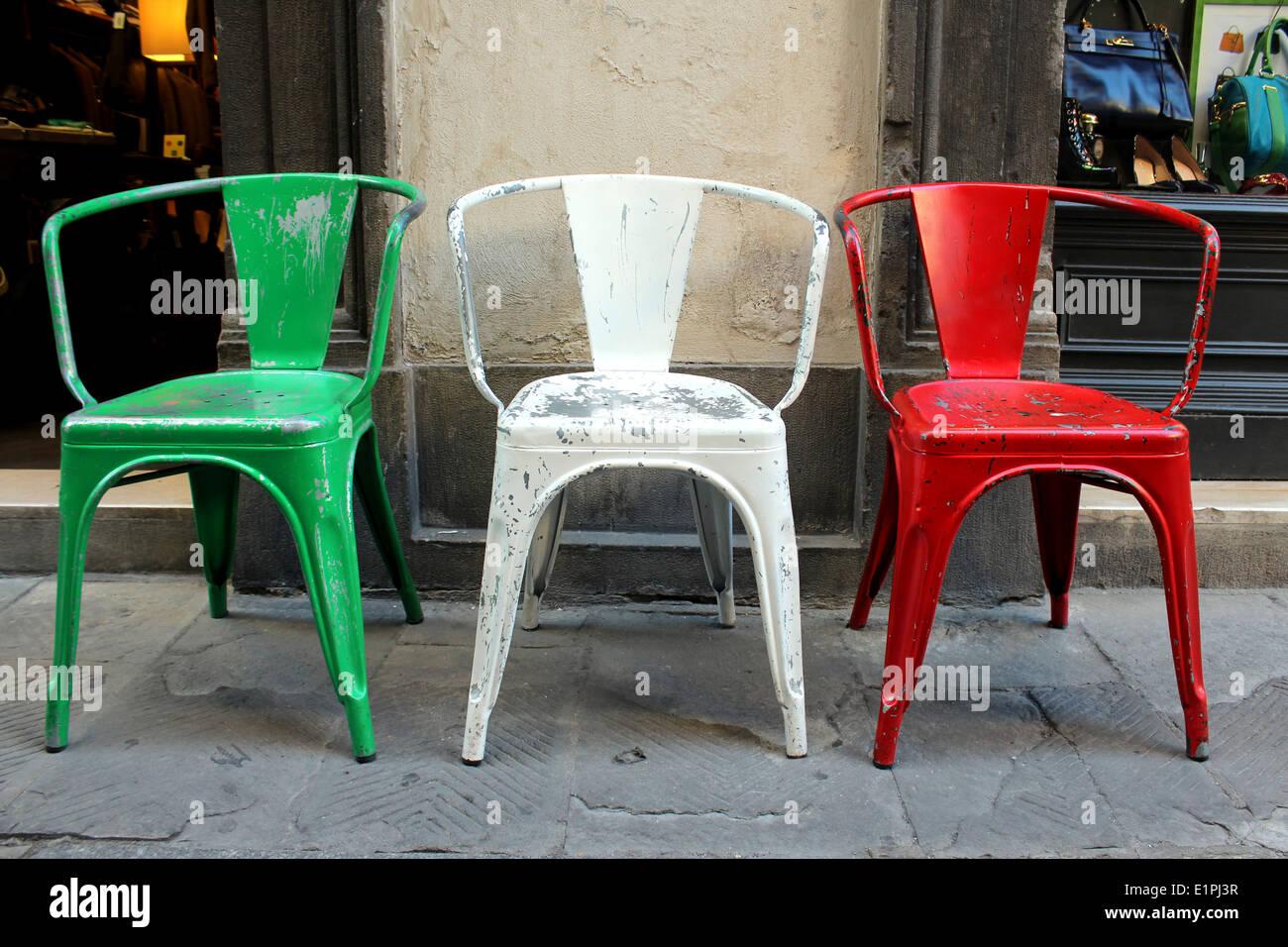 La bandiera italiana e colori rappresentati in tre industriali ...