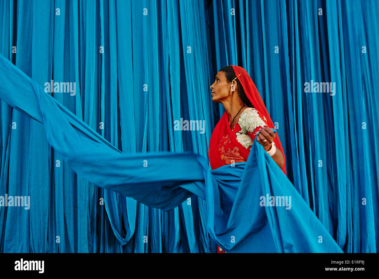 India Rajasthan, sari fabbrica di indumento Immagini Stock