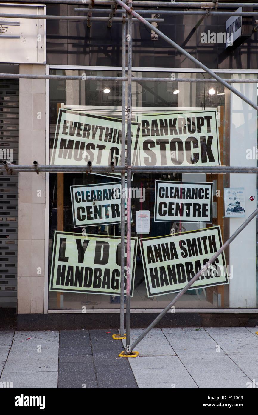 Tutto deve andare _Stock di fallimento e di liquidazione Centre, Manchester, Regno Unito Immagini Stock