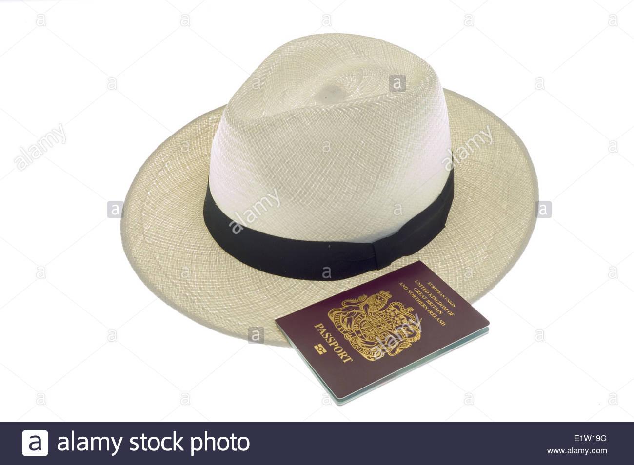 Cappello di Panama e passaporto del Regno Unito Foto   Immagine ... 524c4f612c7a