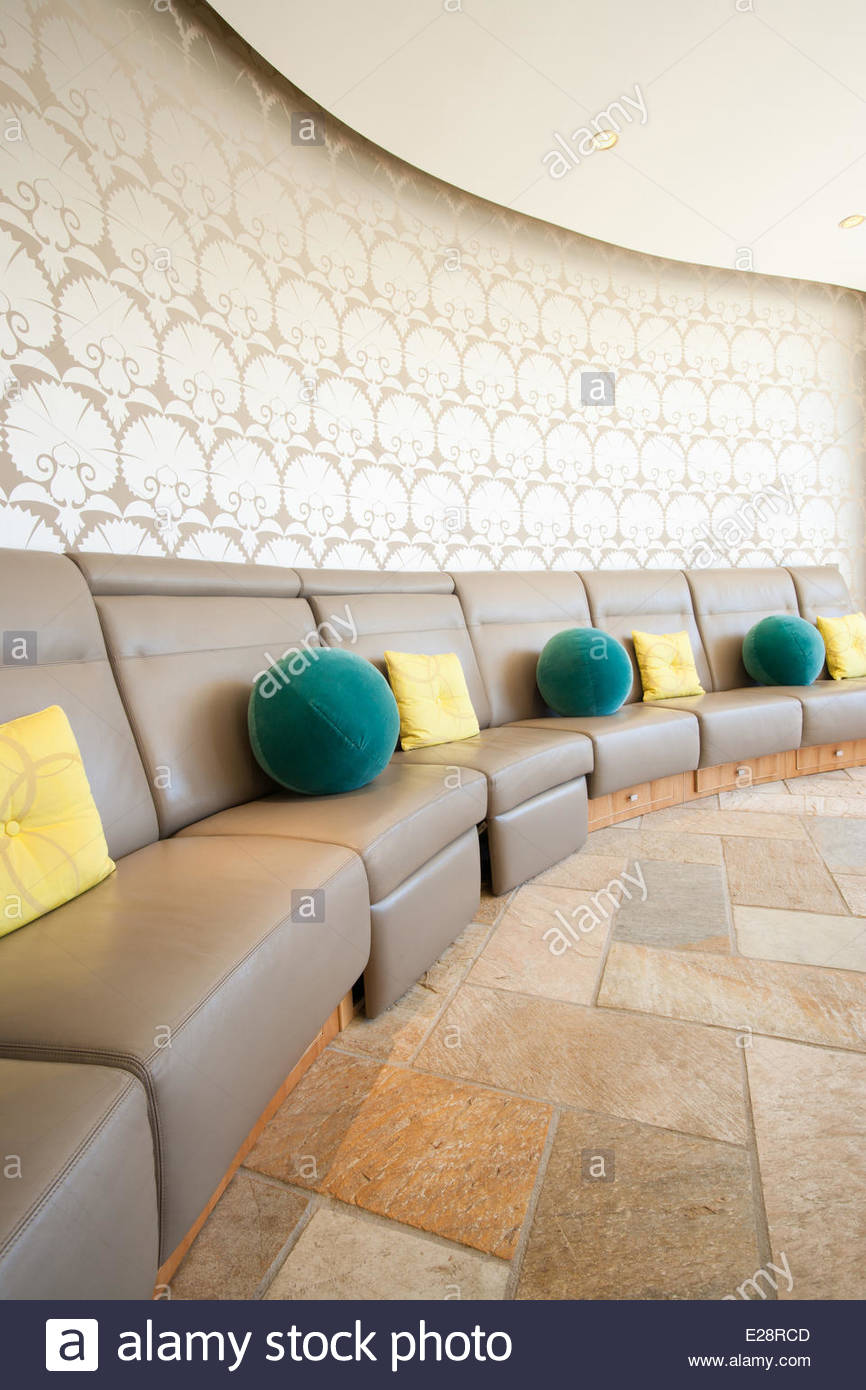Booth-tipo area con posti a sedere in casa moderna Immagini Stock