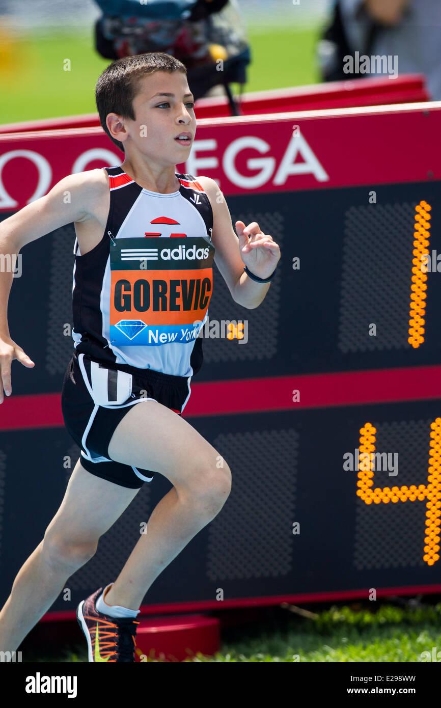 Johan Gorevic (USA) un sesto classificatore dalla segale, NY correva il più veloce mai vista su un miglio da Immagini Stock