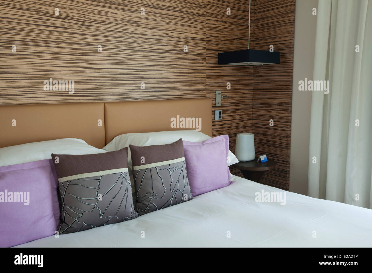 Francia, Alpes Maritimes, Cannes, Hotel Radisson Blu Hotel Room Immagini Stock
