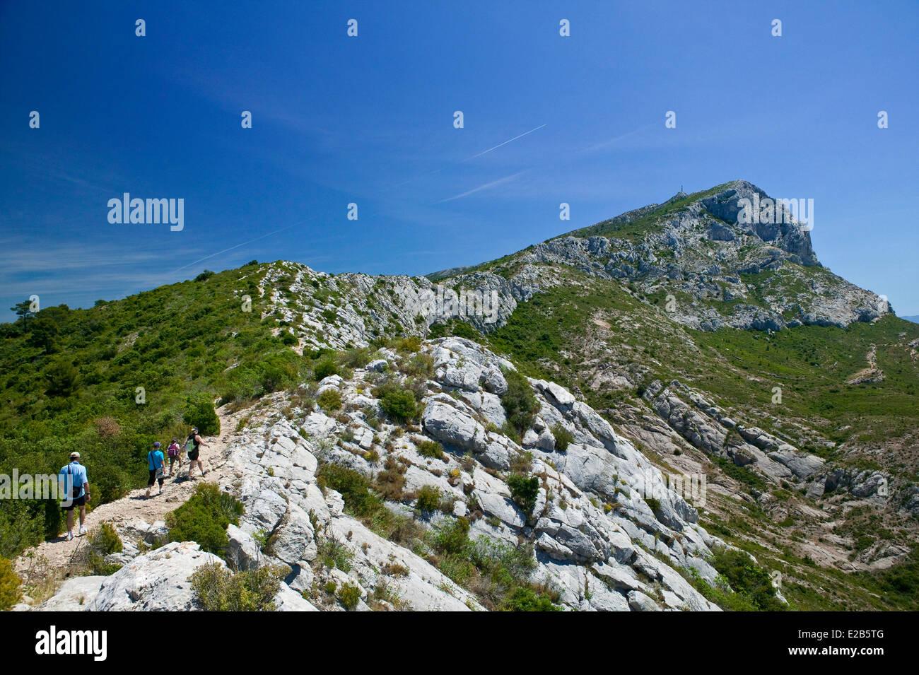 Francia, Bouches du Rhone, Montagne Sainte Victoire Immagini Stock