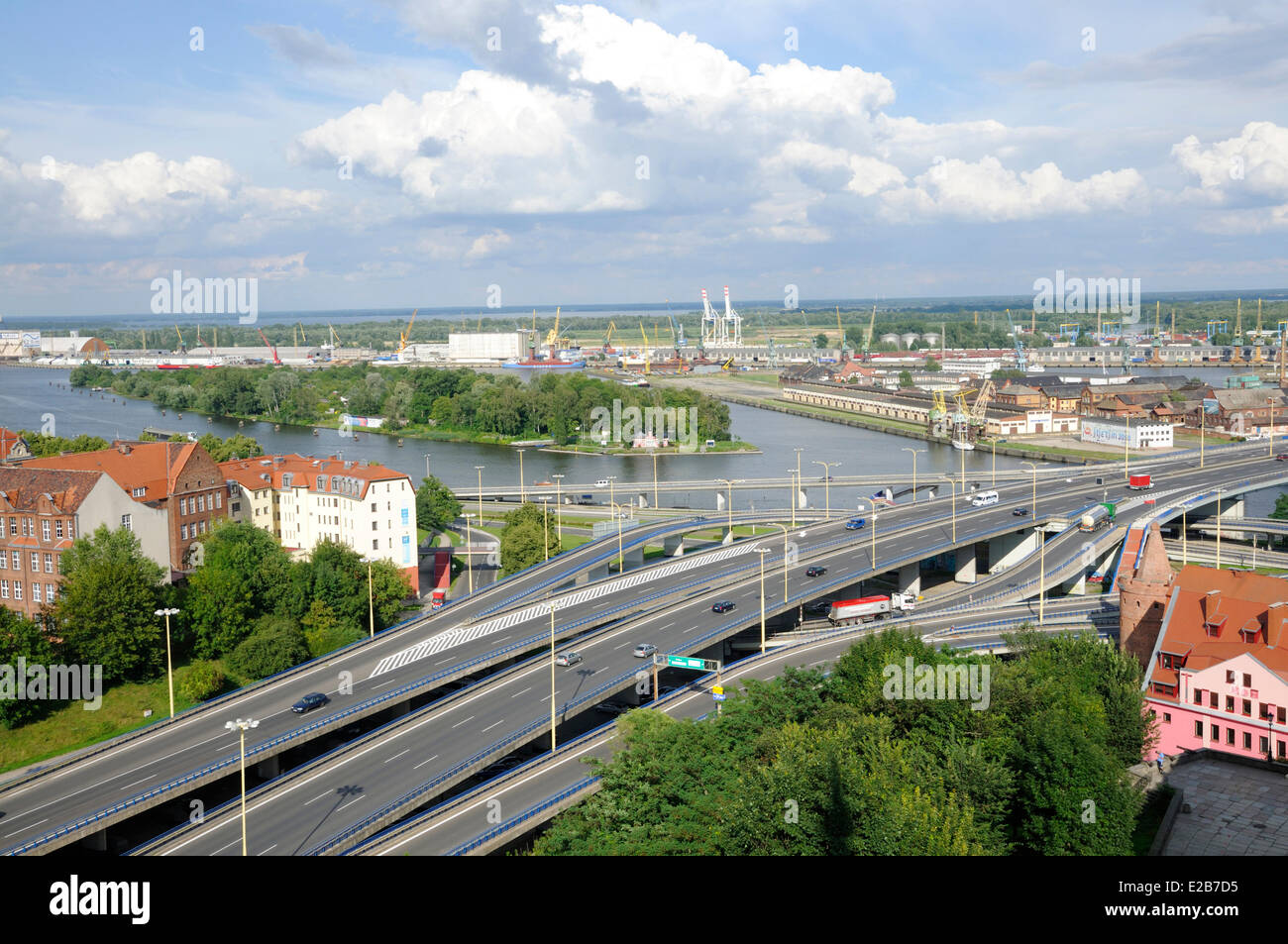 La Polonia, la Pomerania occidentale, Szczecin, strade lungo il porto Immagini Stock
